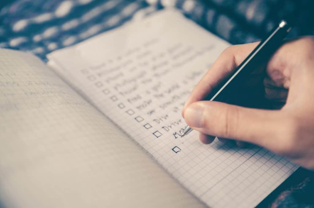 Paso 1. Generar una lista detallada de las tareas.