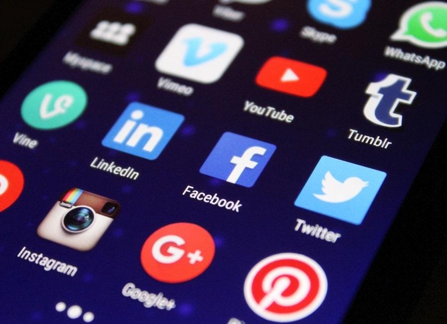 Los clientes pueden comunicarse con tu empresa a través de los canales de interacción...