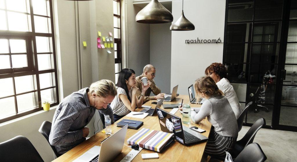 Registro de horas de trabajo y productividad en pymes