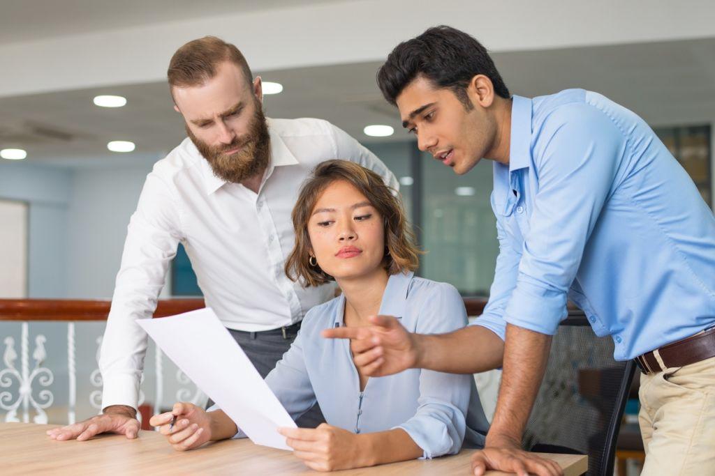 El mentoring permite establecer una relación entre un experto y un colaborador