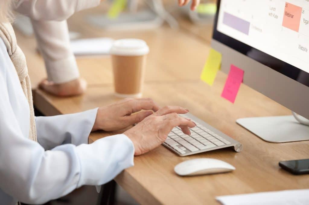 ¿Cómo desarrollar un sistema de gestión documental en la empresa?