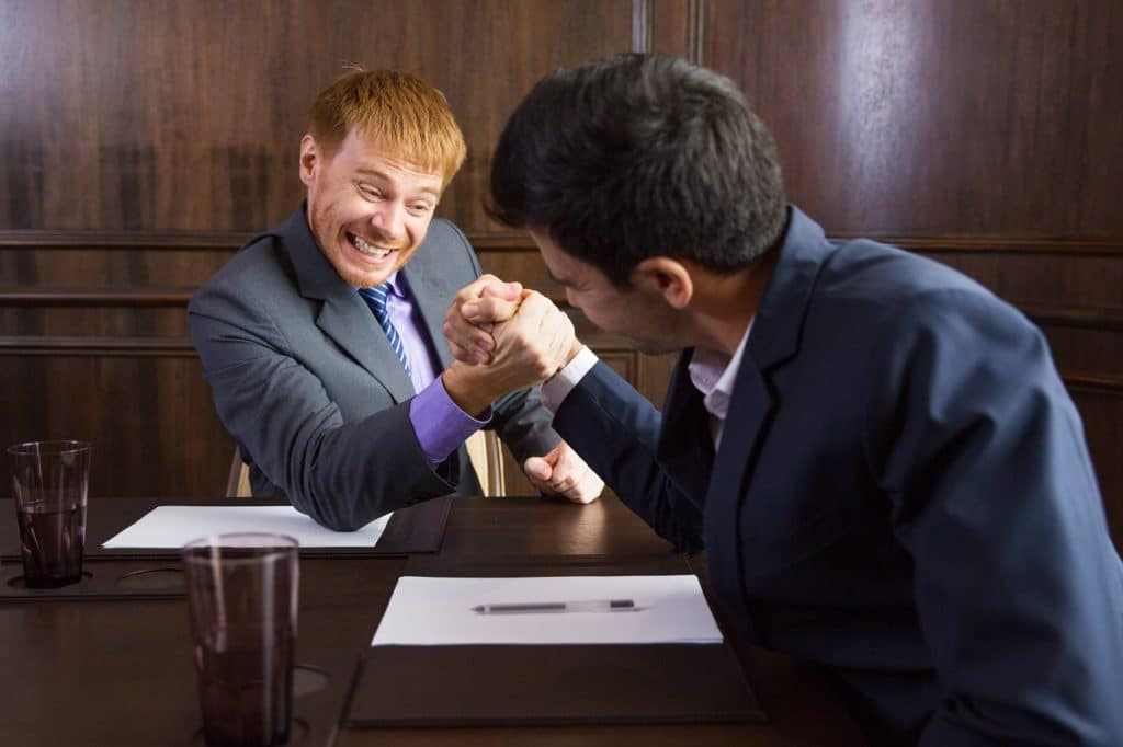 ¿Geosama debería sentirse amenazada por nuevas empresas consultoras entrantes en el mercado?