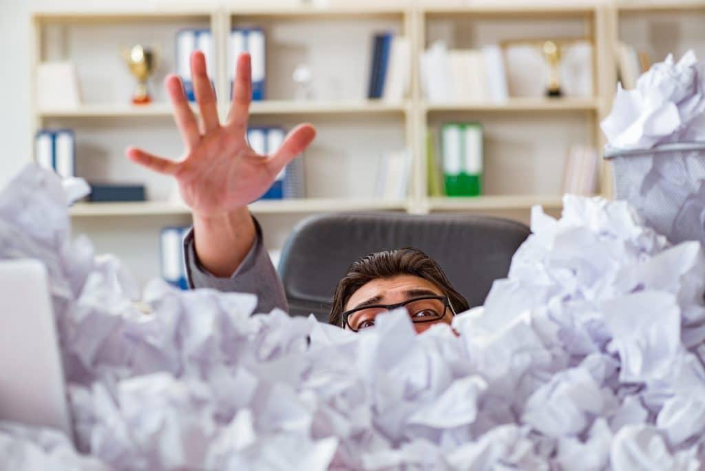 No dejes que tus colaboradores se ahoguen... apóyalos para que se comprometan con la organización.