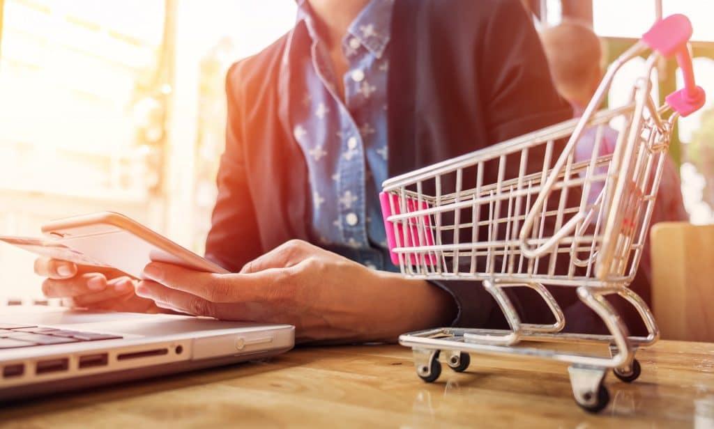 ¿Cómo generar ingresos con un modelo de negocio online?